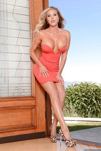 Big-titted Blonde Samantha Saint