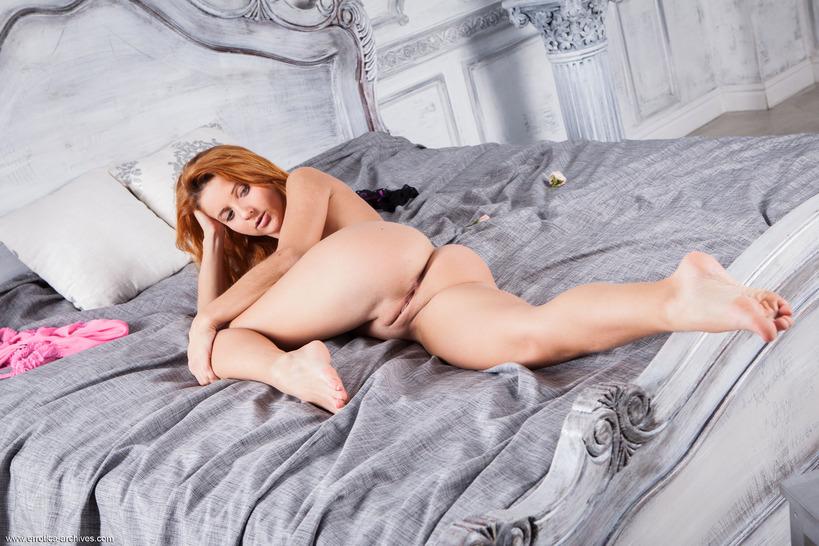Perfect Redhead Babe Roberta Berti Nude In Bed
