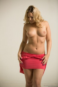 Alexis Texas In Sexy Red Dress