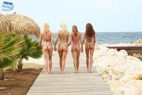 Bikini girls in sexy thong 08