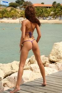 Bikini girls in sexy thong 10