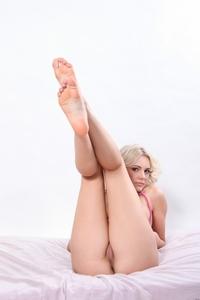 Niki's fuckable round ass