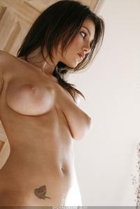 Sexy round ass Sofia
