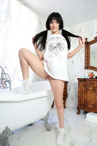 Young Svetlana naked play in the tub