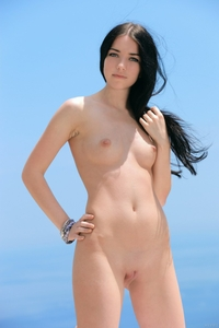 Young and sexy Olivia F naked outdoor