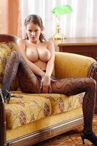 Big titted horny babe