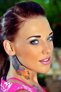 Sexy Lauren