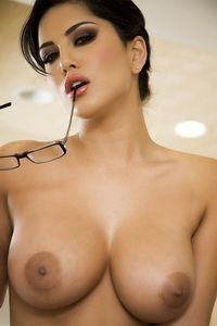 Sunny perfect tits