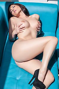 Carlotta Champagne Fully Nude