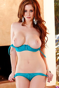 Hot Redhead Showing Her Hole