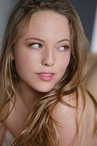 Brunette Hottie Aubrey