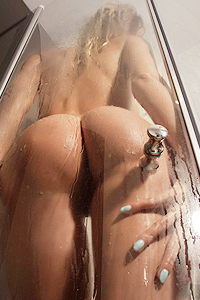 Big Titted Anne In The Shower